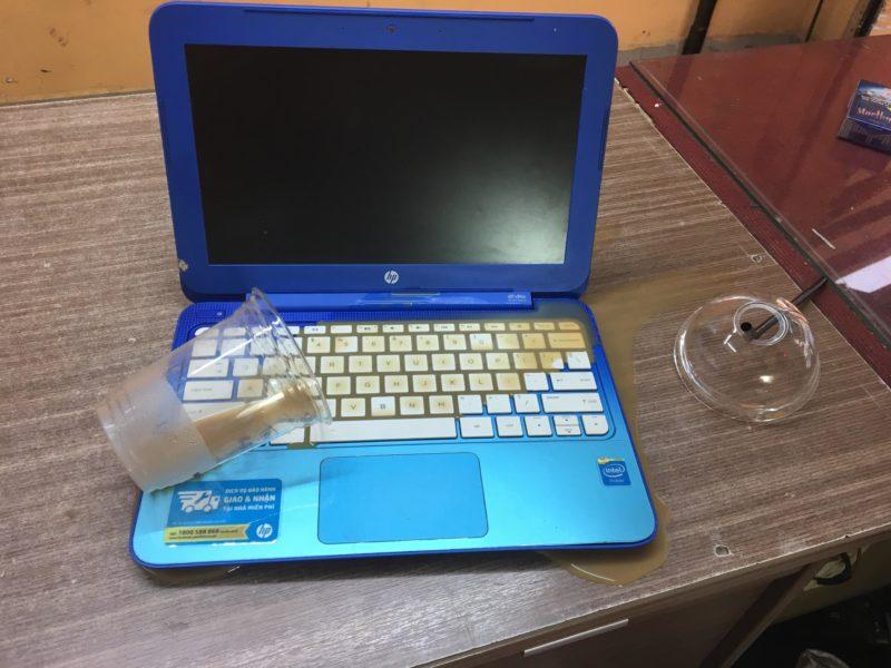laptop vô nước